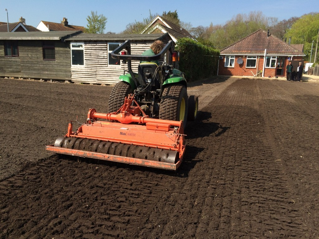 rotovating-before-laying-turf-1024x768